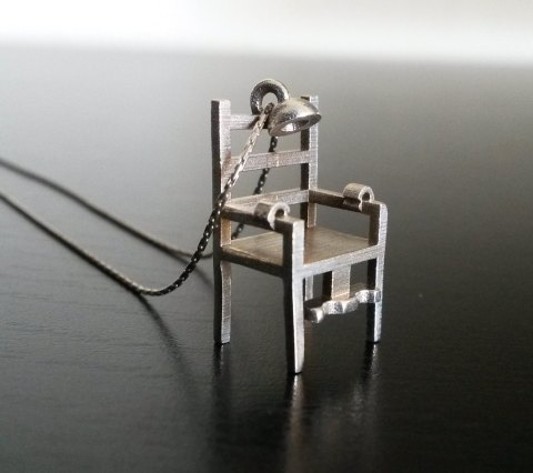 elecric chair necklace